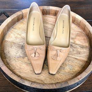 Bandolino Tan Leather low heels